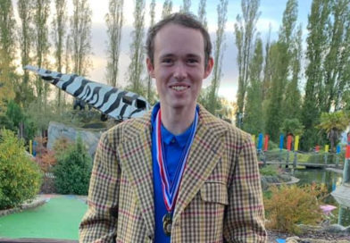 Will Donnelly takes the coveted Tweed Jacket in Sidcup